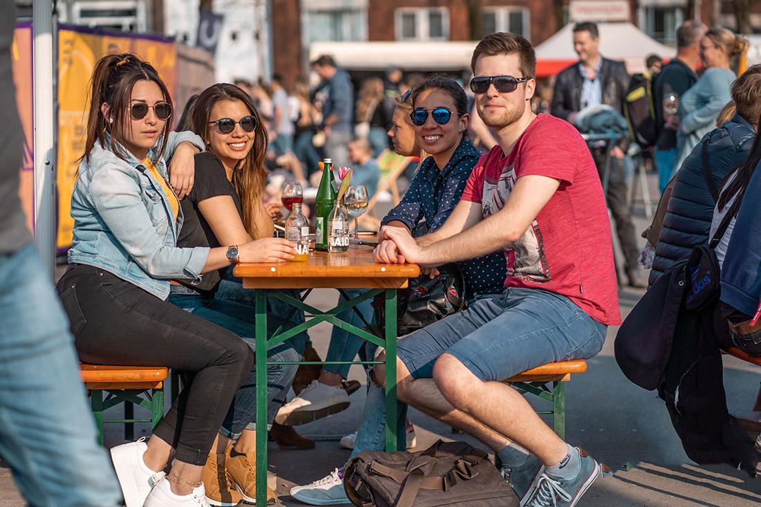 gruppe-Food-Lovers-Logo-street-food-burger-catering-essen-düsseldorf-bochum-münster-foodtruck-food-truck-festival-event-veranstaltung